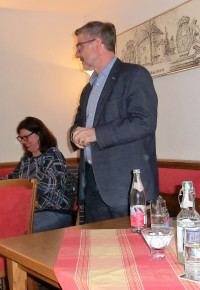 Michael C. Busch während seines Vortrags